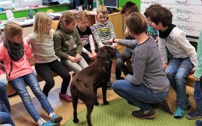 Haustierbesuch in Klasse 2